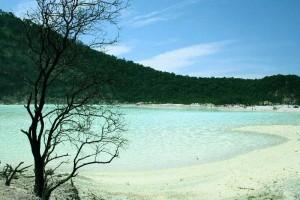Tempat Wisata Yang Menarik Di Bandung - kawah putih
