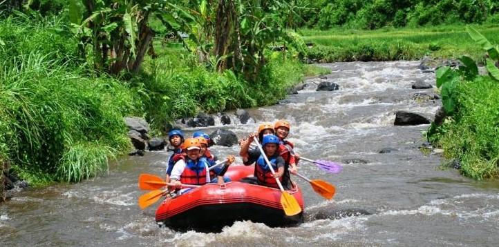 Wisata Arum jeram sungai badeng Banyuwangi