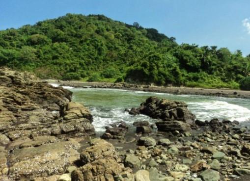 pantai lampon banyuwangi