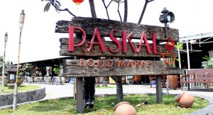 Tempat wisata kuliner Paskal Food Market