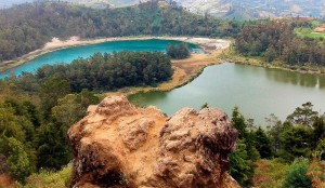 Batu Ratapan Angin - wisata menarik di dieng