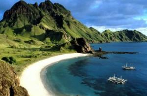 Keindahan Tempat Wisata Pantai Senggigi Lombok