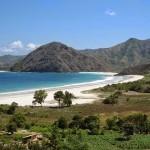 Pesisir Pantai Selong Belanak yang menawan