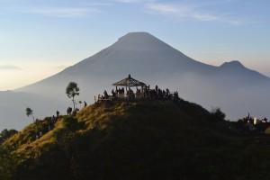 Tempat wisata alam Bukit Sikunir Dieng