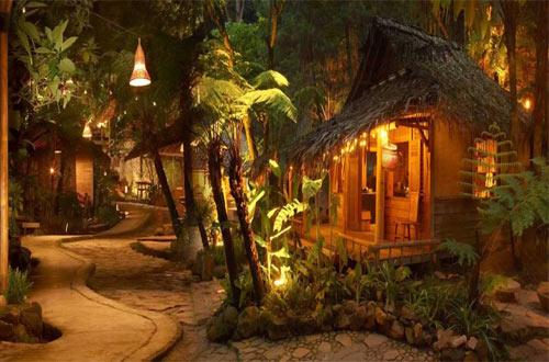 Wisata Kuliner Kampung Daun Lembang