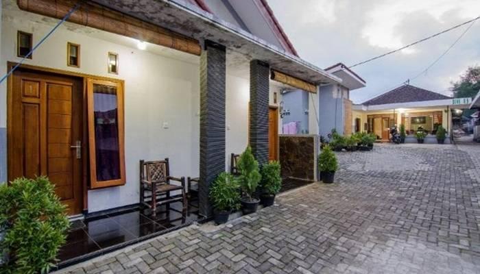 Dini Homestay Batu Malang