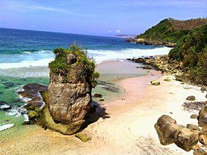 Pantai Lumbung Tulungagung