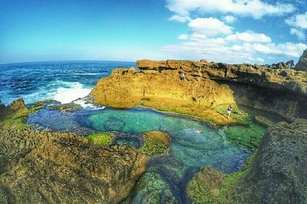 Tempat Wisata Pantai Kedung Tumpang Tulungagung