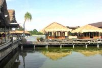 Rumah Makan Kampung laut