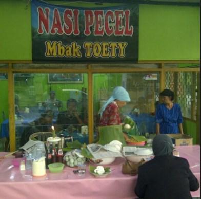 Nasi Pecel Mbak Toety Mojokerto