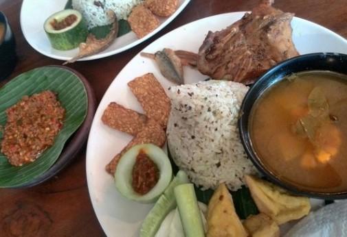 23 Tempat Kuliner Malam Hari Di Bandung Enak Dan Ramai