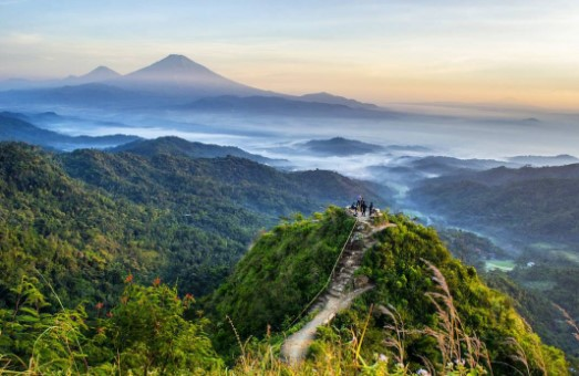 Puncak Gunung Lanang Kulon Progo