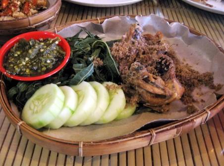 Ayam Goreng Spesial Lombok Idjo Tegal