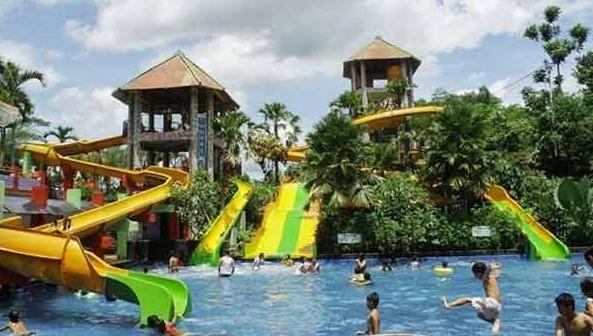 Tempat Wisata Tiara Waterpark Jember