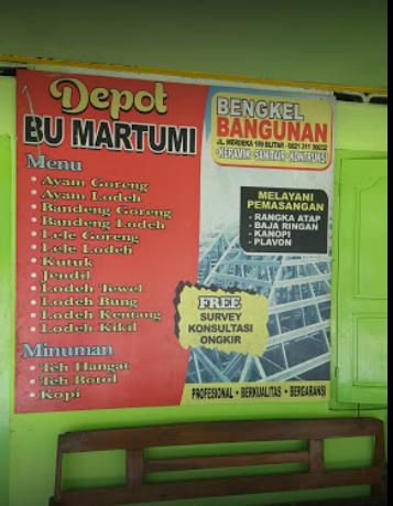 warung tewel Mbah Martumi